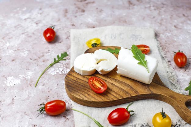 Tomates cerises fourres au chevre