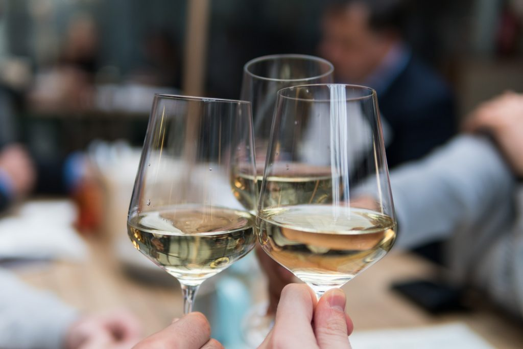 vin blanc calories
